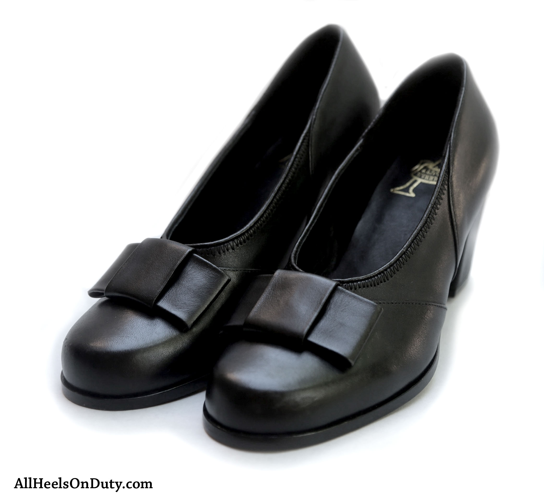 801c522589555 1940s Black Bow Pumps - Make Way for All Heels On Duty!