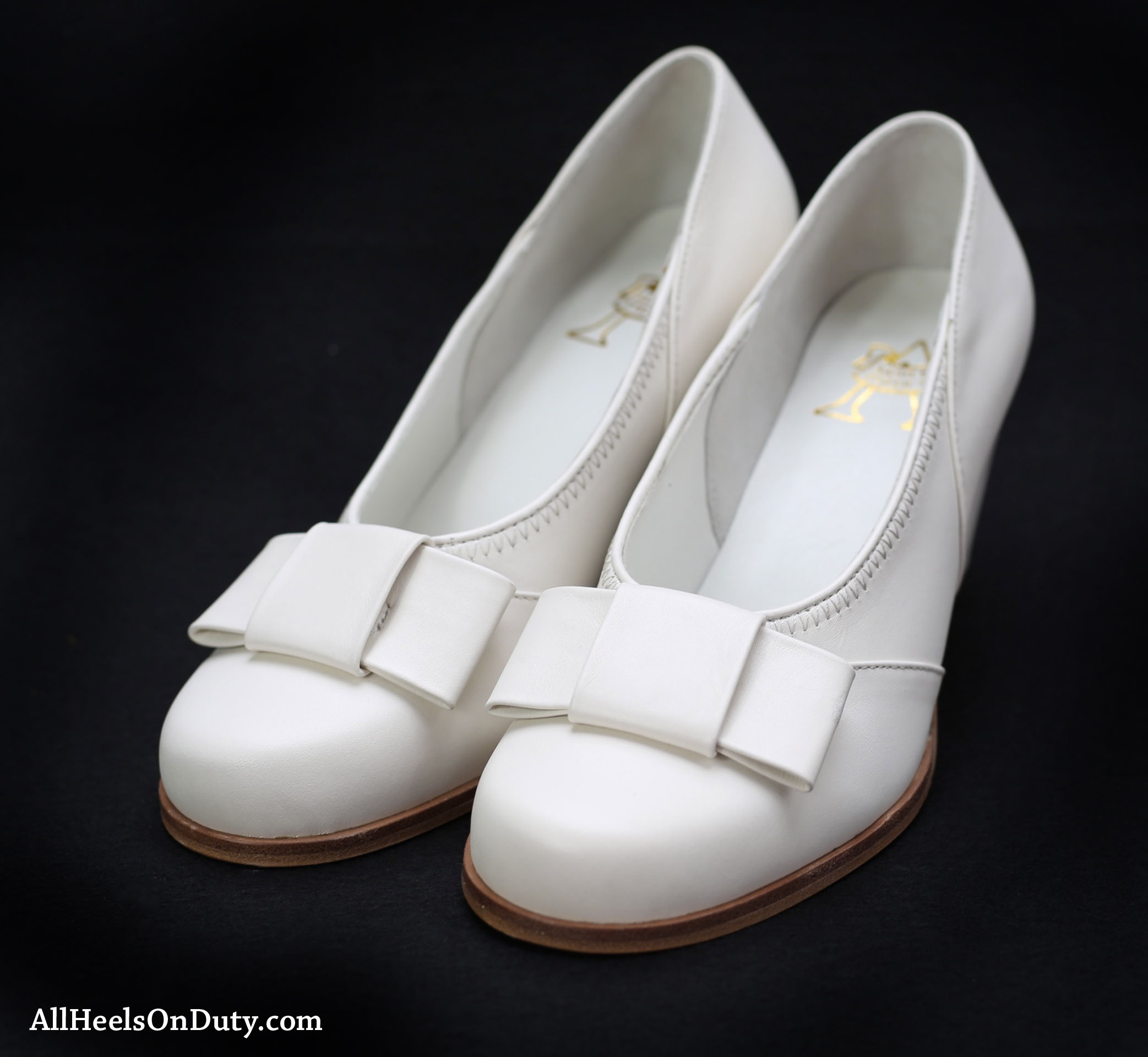 1940s White Bow Pumps - Make Way for